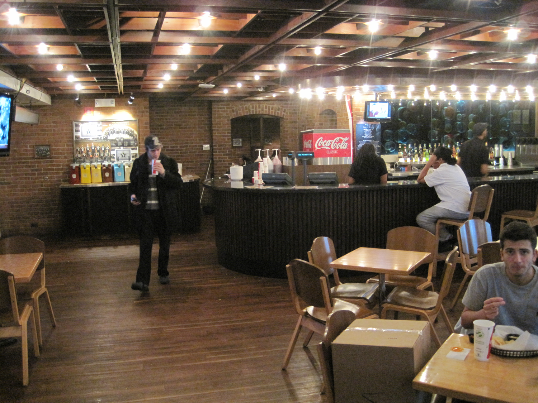 The Pub At Overcup Oak Vanderbilt Campus Dining